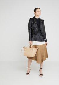 Patrizia Pepe - BORSA BAG - Handbag - camel beige - 1