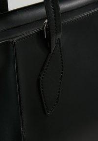 Patrizia Pepe - BORSA BAG - Handbag - nero - 6