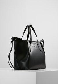 Patrizia Pepe - BORSA BAG - Handbag - nero - 3