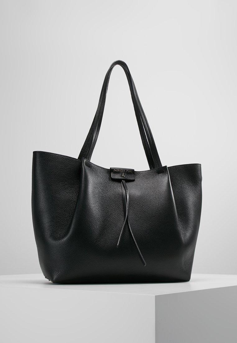 Patrizia Pepe - BORSA BAG - Håndtasker - nero