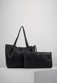 Patrizia Pepe - BORSA GRANDE - Handbag - nero - 5