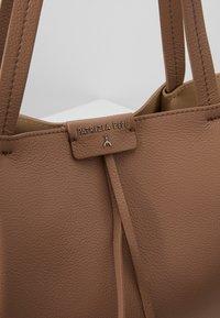 Patrizia Pepe - Shopping bag - real taupe - 7