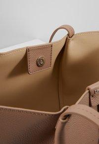 Patrizia Pepe - Shopping bag - real taupe - 4