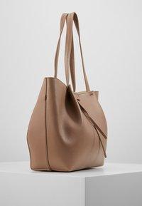 Patrizia Pepe - Shopping bag - real taupe - 3