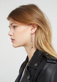 Patrizia Pepe - ORECCHINI CON PENDENTI FLY - Earrings - gold-coloured - 1