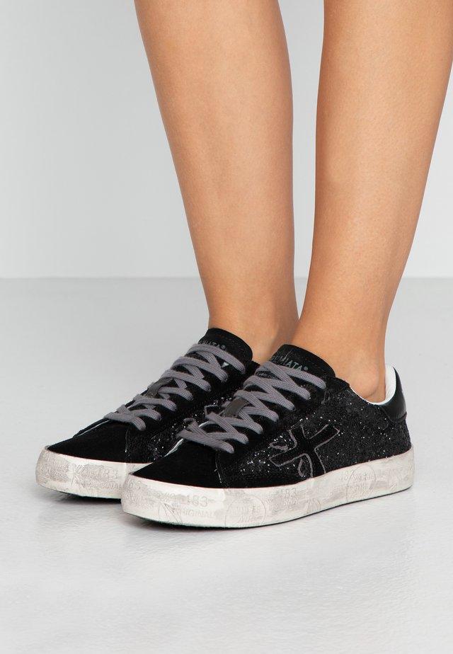 STEVEN - Sneaker low - black