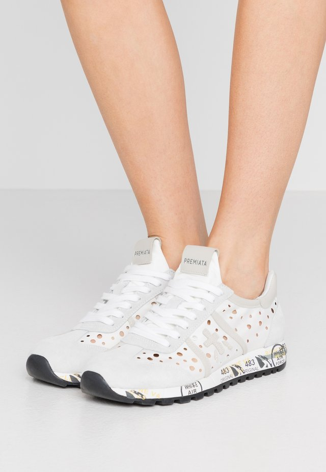 LUCY - Trainers - white