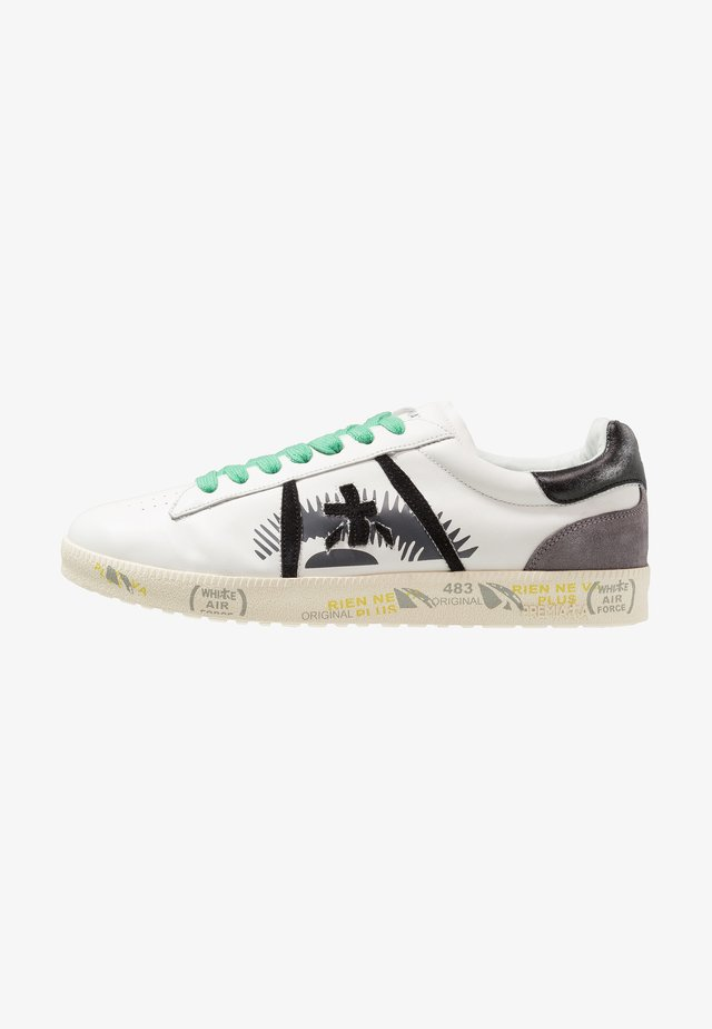 ANDY - Sneaker low - white/black/green
