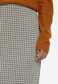 Part Two - TAMIKAPW  - Spódnica ołówkowa  - light grey - 3