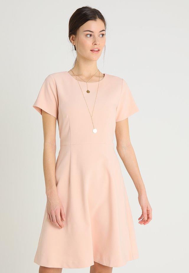 PENROSE - Korte jurk - cameo rose