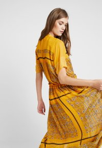 Part Two - SIGRID - Vestito lungo - yellow - 3