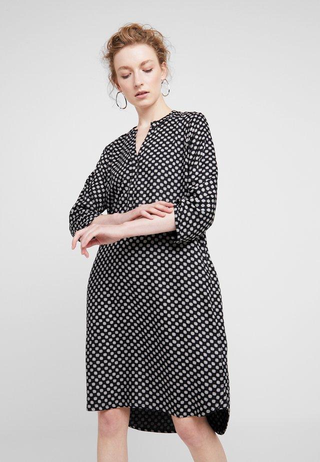 CALLA - Skjortklänning - black