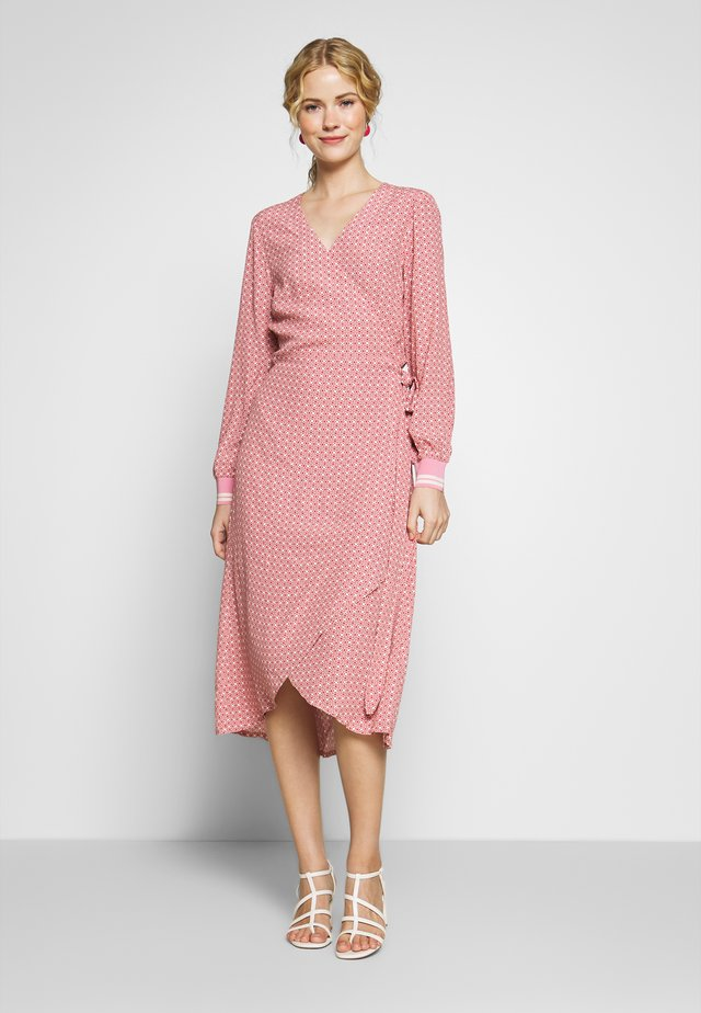 BERBEL - Day dress - sea pink