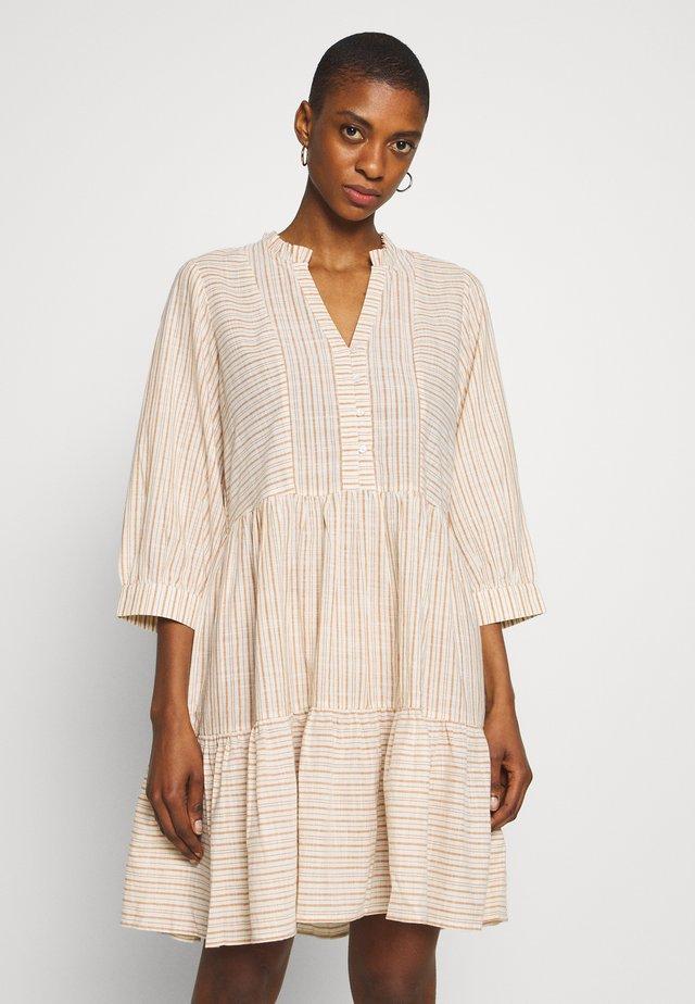 CRYSTALL - Shirt dress - honey ginger