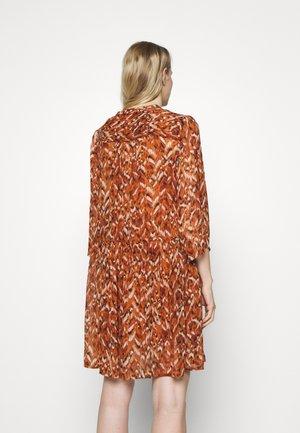 SOPHIAS - Day dress - sunburn