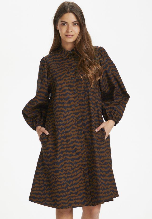 Sukienka koszulowa - ikat print, choclat glaze