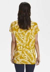 Part Two - Print T-shirt - palm/golden spice - 2