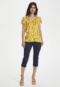 Part Two - Print T-shirt - palm/golden spice - 1