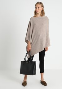 Part Two - KRISTANNA - Poncho - light camel melange - 1