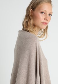 Part Two - KRISTANNA - Poncho - light camel melange - 5