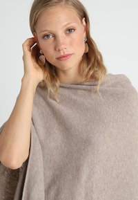 Part Two - KRISTANNA - Poncho - light camel melange