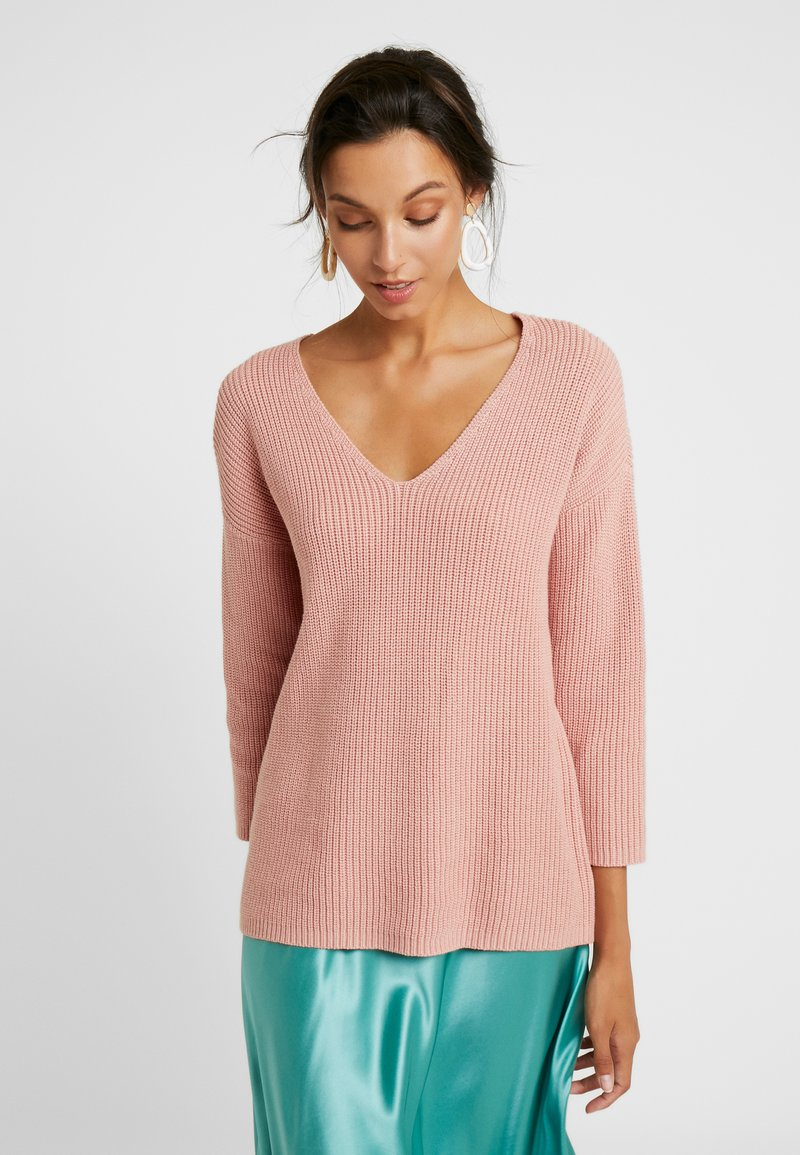Part Two - PETRONAS - Strickpullover - misty rose