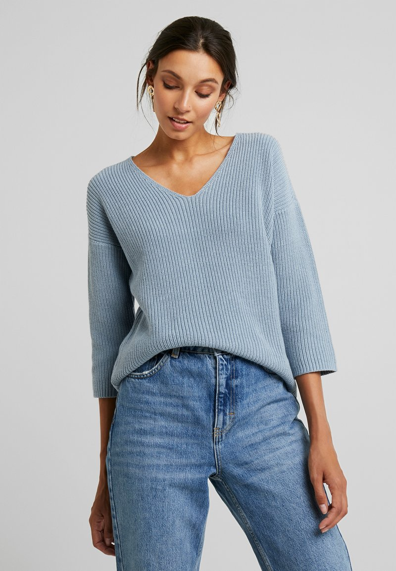 Part Two - PETRONAS - Strickpullover - dusty blue