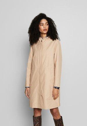 AFIE - Short coat - sesame