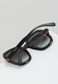 Prada - Sonnenbrille - black/medium havana - 4