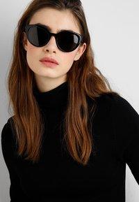 Prada - Sluneční brýle - black - 1