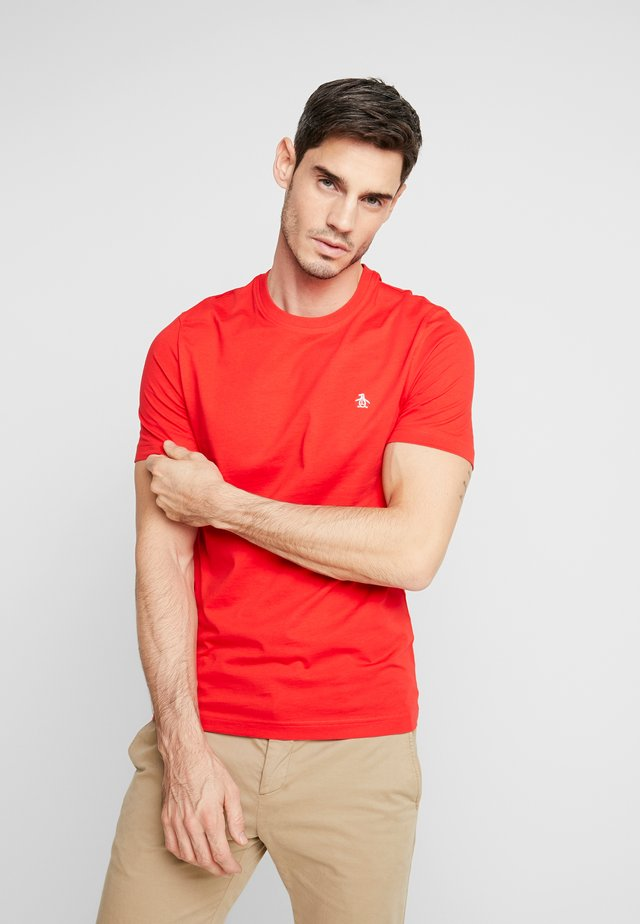 EMBROIDRED LOGO TEE - T-shirt basic - high risk red
