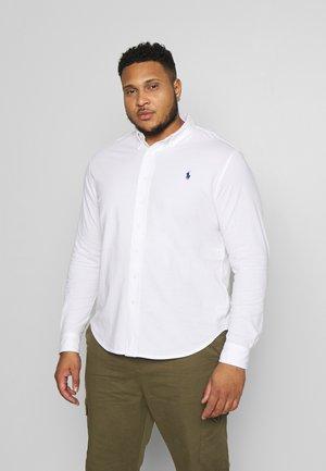 FEATHERWEIGHT - Overhemd - white