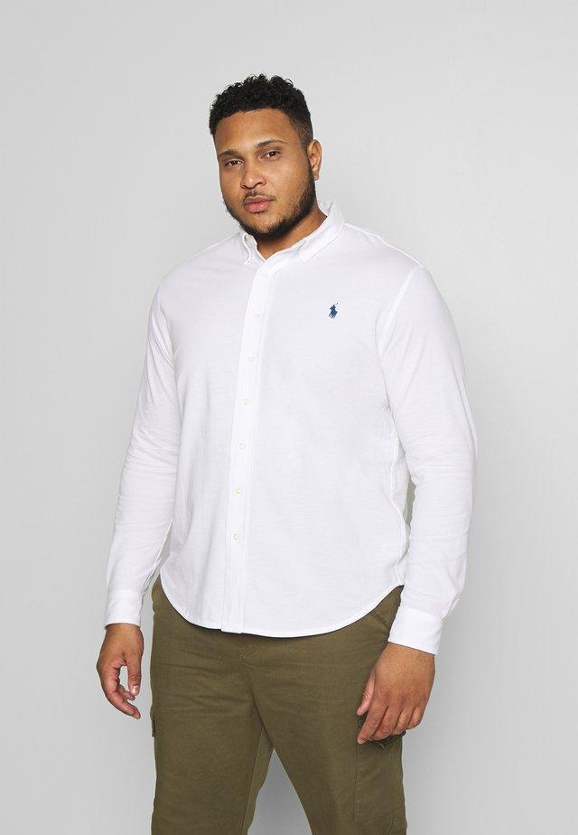 FEATHERWEIGHT - Skjorta - white