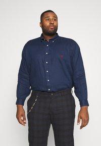 Polo Ralph Lauren Big & Tall - PIECE  - Košile - newport navy - 2