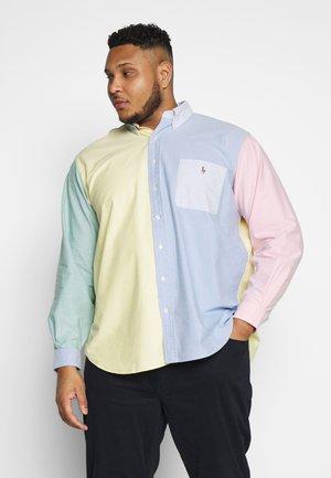 Košile - solid fun