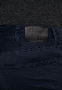 Polo Ralph Lauren Big & Tall - CLASSIC FIT VARICK  - Spodnie materiałowe - collection navy - 4