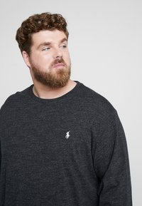 Polo Ralph Lauren Big & Tall - Pitkähihainen paita - black marl heather - 3