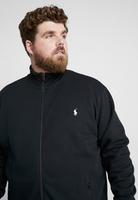 Polo Ralph Lauren Big & Tall - Zip-up hoodie - black/cream - 3