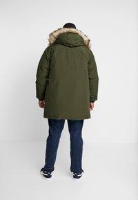 Polo Ralph Lauren Big & Tall - ANNEX - Bunda zprachového peří - estate olive - 2