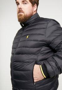 Polo Ralph Lauren Big & Tall - HOLDEN JACKET - Bunda zprachového peří - black - 5