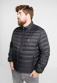 Polo Ralph Lauren Big & Tall - HOLDEN JACKET - Bunda zprachového peří - black - 0