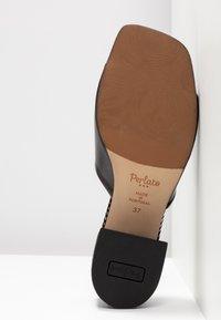 PERLATO - Pantofle - venus/melodia noir - 6