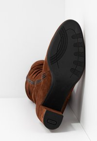 PERLATO - Vysoká obuv - cognac - 6