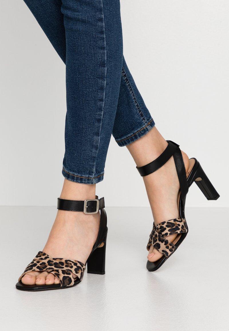 PERLATO - High heeled sandals - cognac/sienna noir