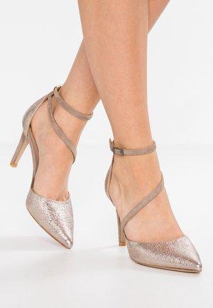 Zapatos altos - ferrer rose/stone