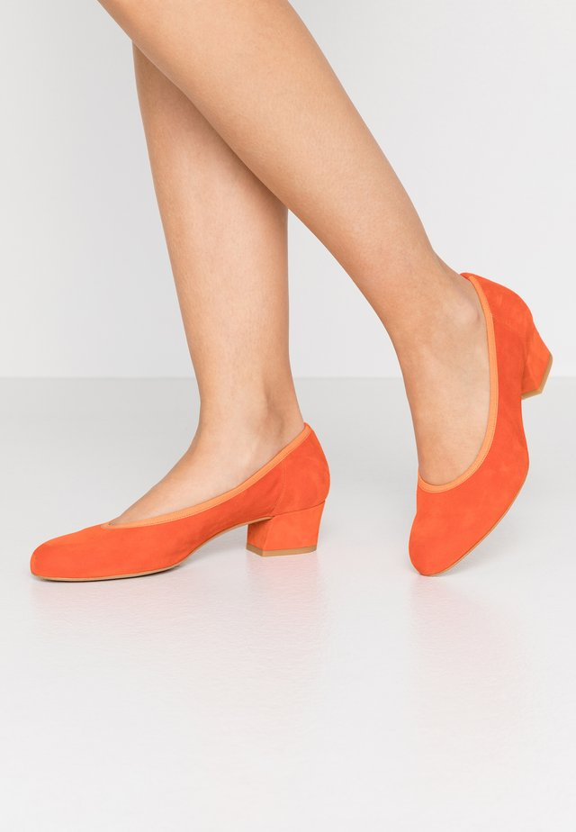 Klassiske pumps - orange