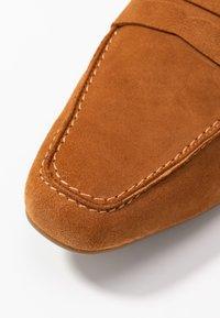 PERLATO - Nazouvací boty - camel - 2