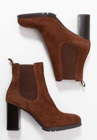 PERLATO - Classic ankle boots - cognac - 3