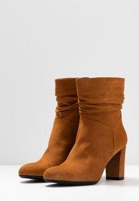 PERLATO - Kotníkové boty - camel - 4