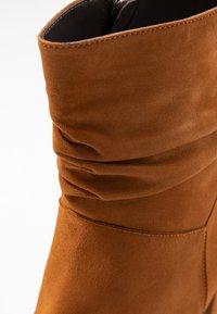 PERLATO - Kotníkové boty - camel - 2